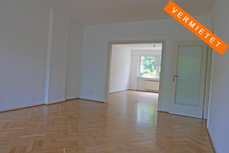4-Zimmer-Altbauwohnung